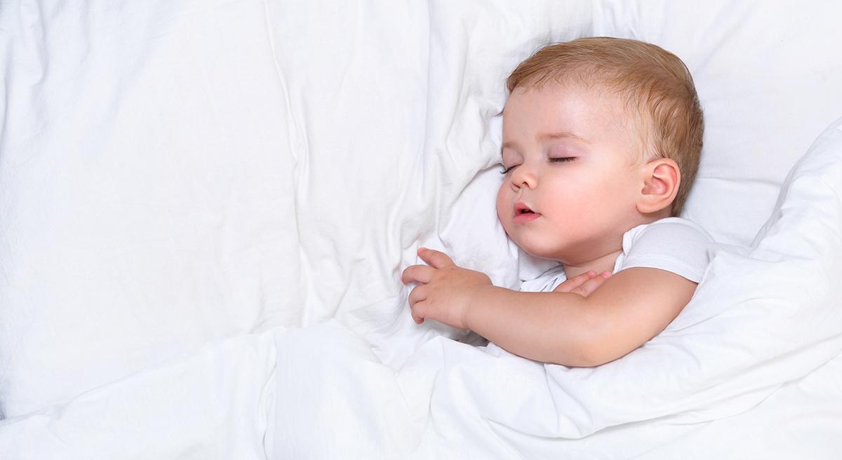 ¿Sabías que Los bebés tienen microdespertares?