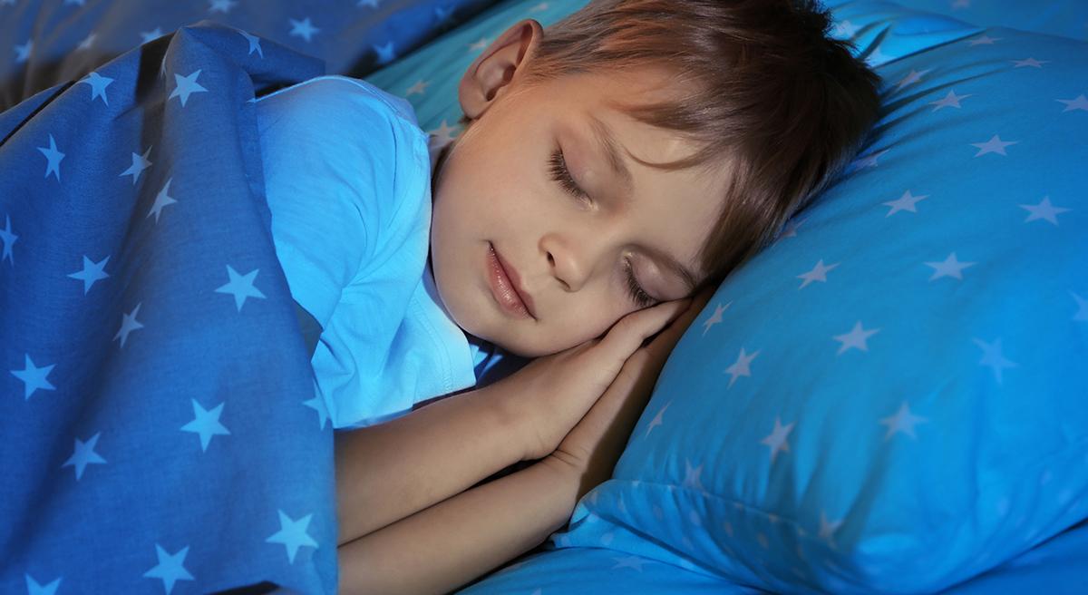 ¿Sabías que en los niños menores de 2 años la hora de acostarse no determina la hora del despertar?